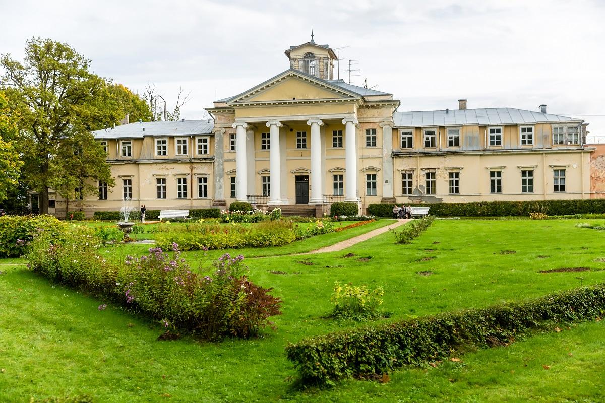 Krimuldas muižas komplekss Turaidā Sigulda